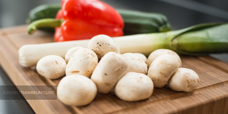 Champignons, prei, rode paprika en courgette