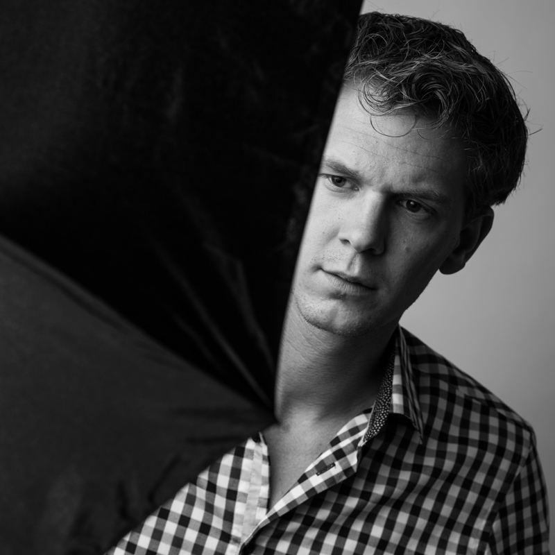 Zelfportret in zwart wit