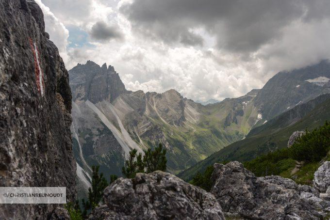 Blik Op Pinnisjoch Waarachter De Innsbrucker Hütte Ligt.