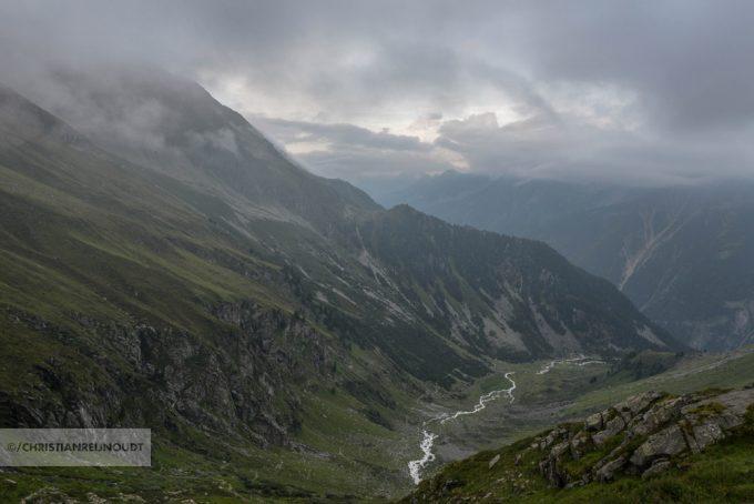 Bij De Nuernberger Hütte Kijk Je In Het Falbesoner Tal