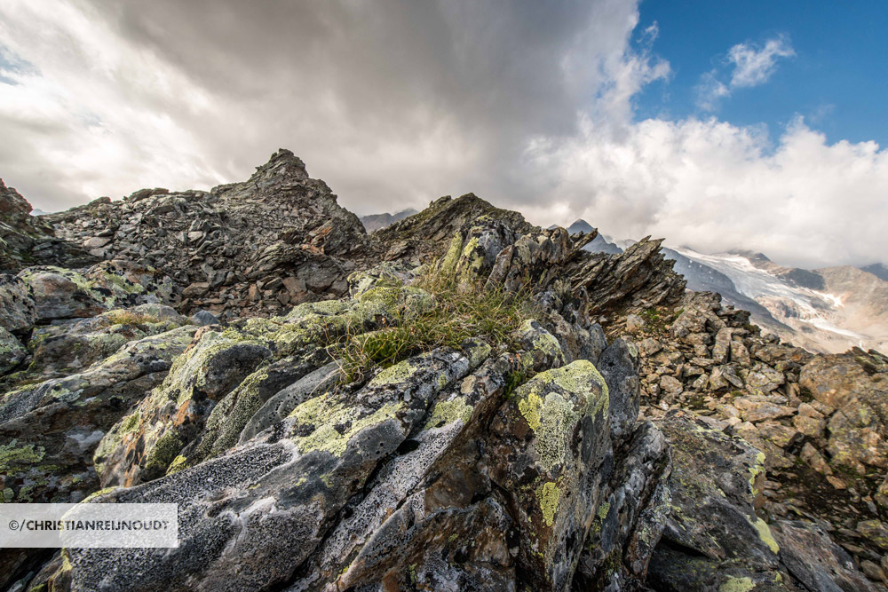 Indrukwekkende rotspartijen op grote hoogte