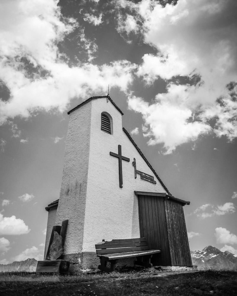 Prachtige kapel boven Hochsölden
