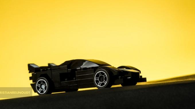 Zwarte Ferrari Van Lego Tegen 'ondergaande Zon'