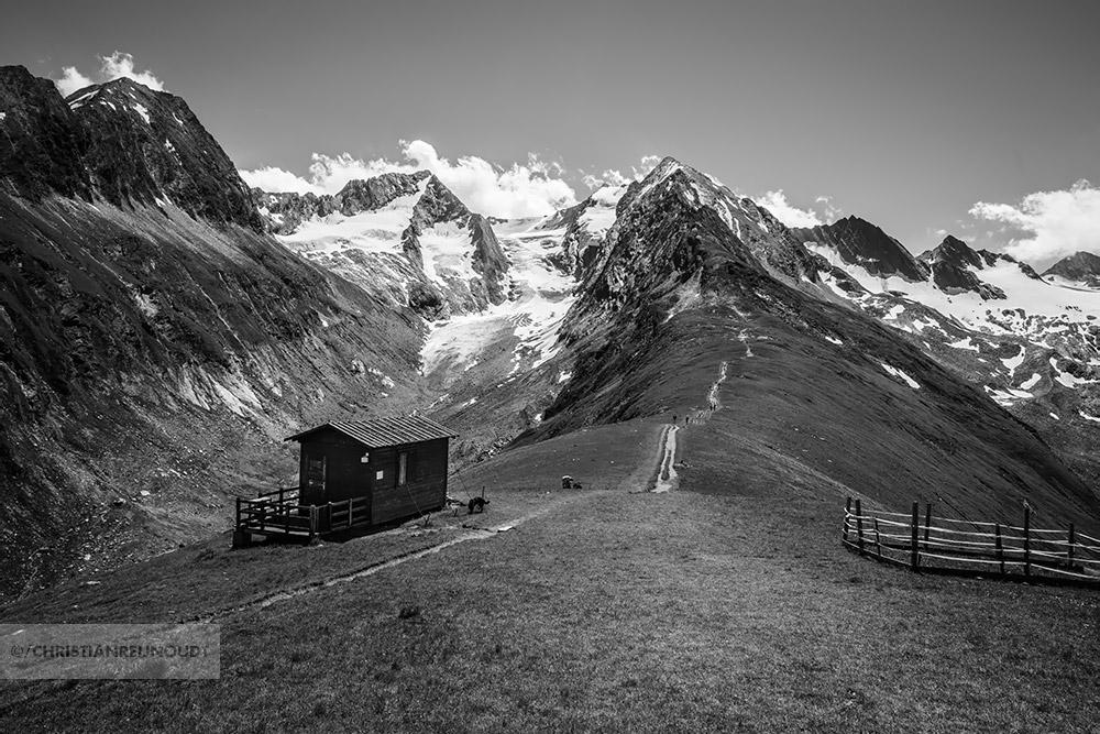 Blik van Hohe Mut naar de Gletschers