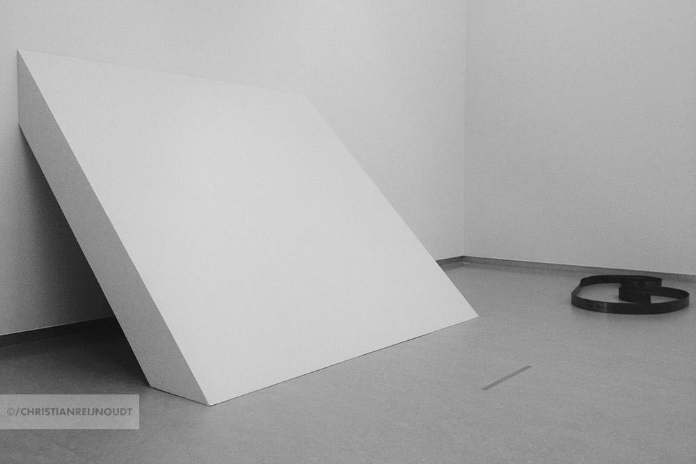 Minimale en conceptuele kunst van Robert Morris
