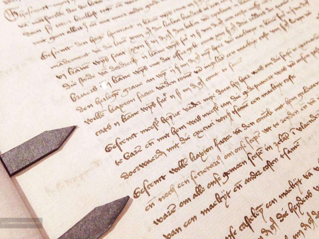 Handschrift van een boek, het begin van de boekdrukkunst.