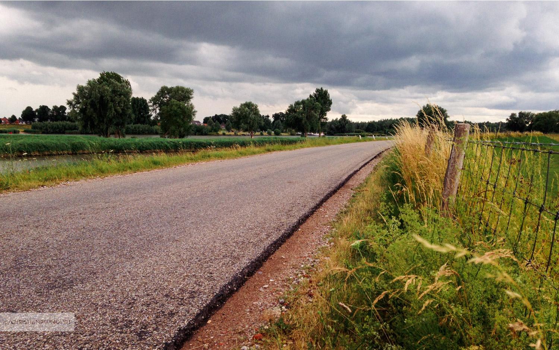 Fietsen op de Lekdijk-Oost richting Schoonhoven