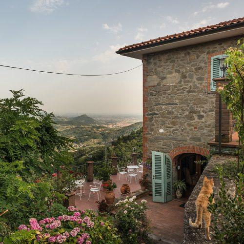 De Avond Treed In Bij 'ons B&B' In Marliana, Toscane